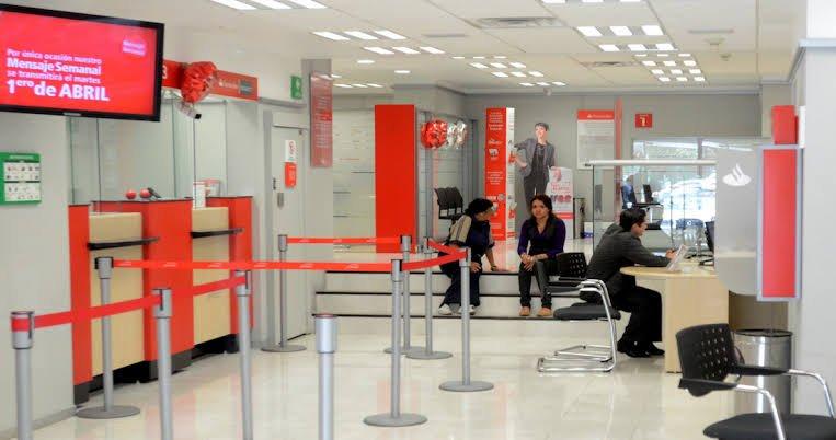 Con videos e imágenes se pudo documentar que el personal del banco no tuvo acceso a equipos celulares o de comunicación.