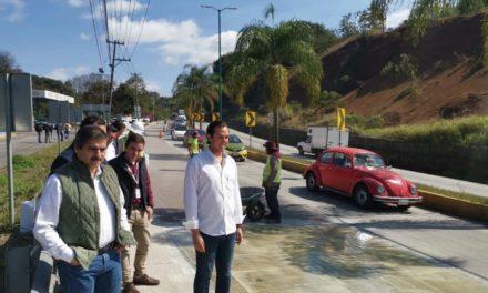 Subsecretario de SIOP, supervisa los trabajos en la carretera Xalapa-Coatepec