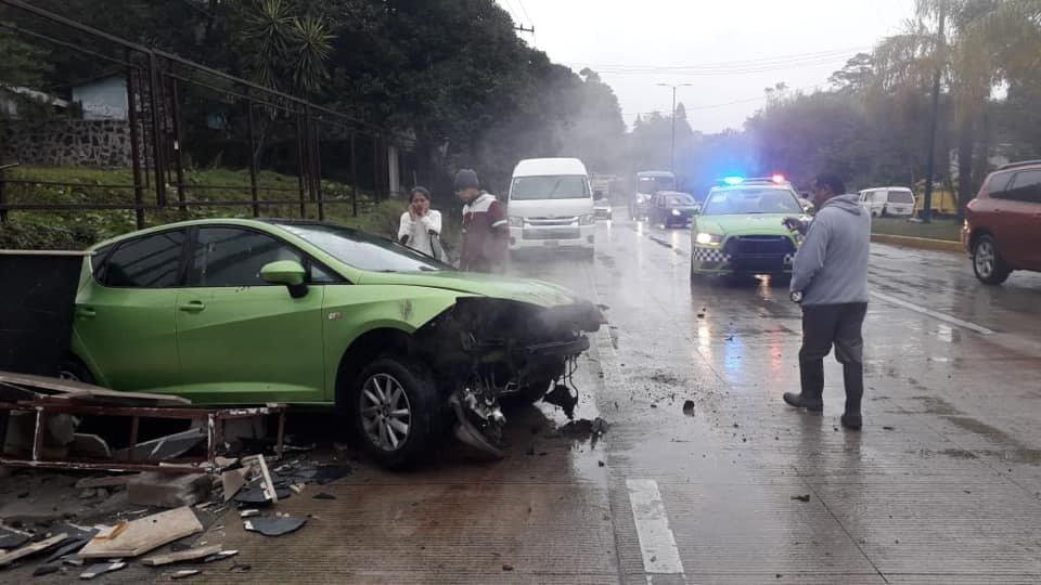 Dos accidentes en la carretera Xalapa-Coatepec, a la Altura de Los Arenales