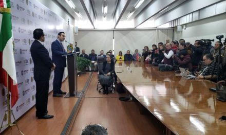 El titular de la Secretaría de Finanzas de Veracruz, José Luis Lima Franco, anunció el pago de adeudo con la Universidad Veracruzana en cuatro mensualidades que iniciarán este viernes