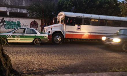 Choque sobre la avenida Mártires 28 de Agosto en Xalapa