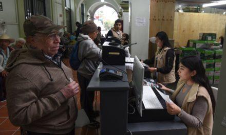 Inicia pago de predial con 22 cajas en el Palacio Municipal de Xalapa y 18 más en puntos de cobro externos