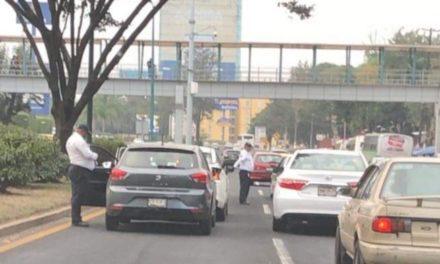 Choque sobre la avenida Lázaro Cárdenas, a la altura de la SEV