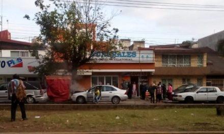 Choque en la avenida  Adolfo Ruiz Cortines a la altura del CAE