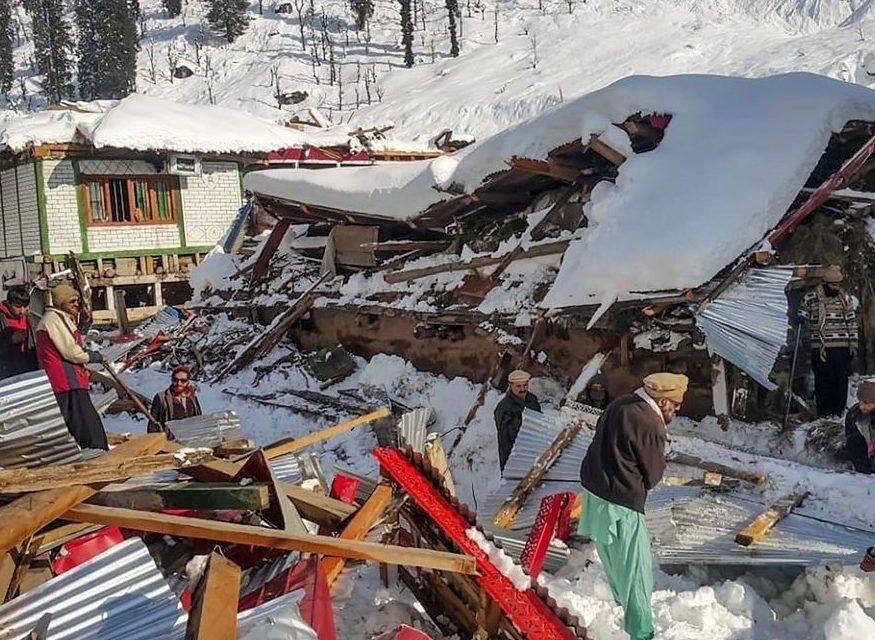 Avalancha de nieve en Pakistán deja más de 50 muertos y unos 20 desaparecidos