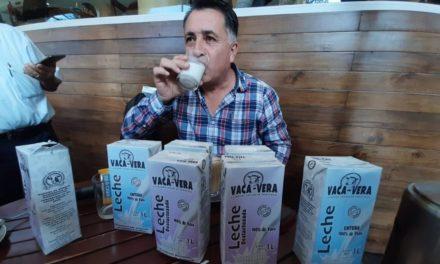 """400 pequeños productores de Leche en la región, presentan """"Vaca-Vera """" su propia marca de leche."""