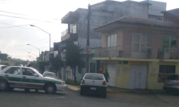 Choque sobre la avenida 20 de Noviembre esquina Madero en Xalapa