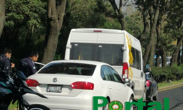 Carambola sobre la avenida Lázaro Cárdenas, a la altura de la Estancia Garnica