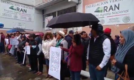 Toman oficinas del Registro Agrario Nacional en Xalapa