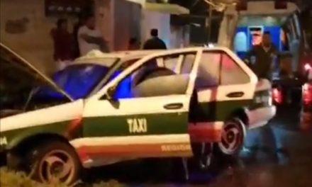 Accidente de tránsito en calle Paricutín de la Colonia José Cardel en Xalapa