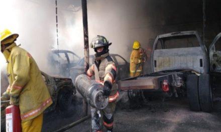 Explotan casi 200 cilindros de gas al interior de empresa en Ecatepec