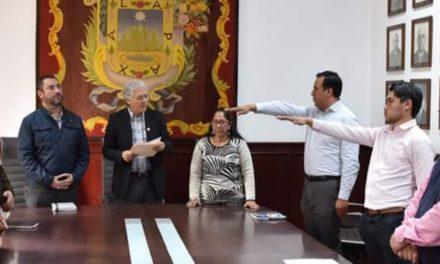 RINDEN PROTESTA NUEVOS FUNCIONARIOS DEL AYUNTAMIENTO DE XALAPA