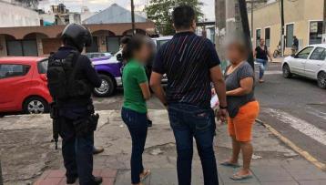 Les roban 27 mil pesos a una pareja que acababa de retirarlos del banco en Veracruz