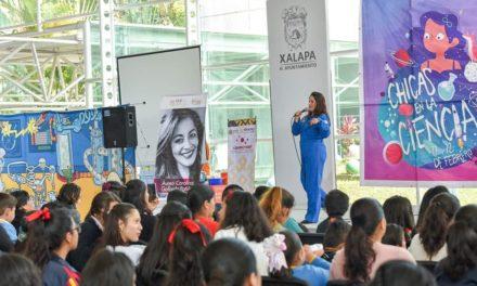 Celebra Ayuntamiento el Día Internacional de la Mujer y la Niña en la Ciencia