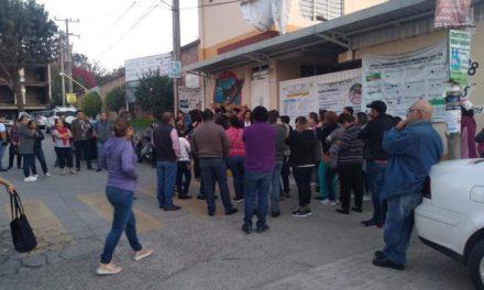 Padres de familia toman escuela Secundaria Técnica 128 de Xalapa; por falta de Maestros