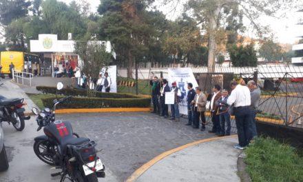 Bloquean entrada a las oficinas de la Secretaría de Finanzas y Planeación del Estado