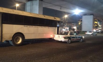 Accidente de tránsito sobre la Av. Lázaro Cárdenas esq. Chedraui Caram en Xalapa