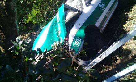 Se accidenta Taxi de Xalapa en Juchique de Ferrer, dos heridos