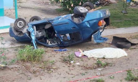 Buscan a familiares de maestra que murió en accidente sobre la carretera federal 175 en Tlacotalpan