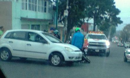 Motociclista lesionado en la Calle Aguascalientes de la Colonia Progreso en Xalapa