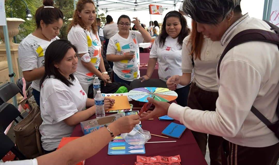 Promueven DIF Xalapa y AHF México uso del condón