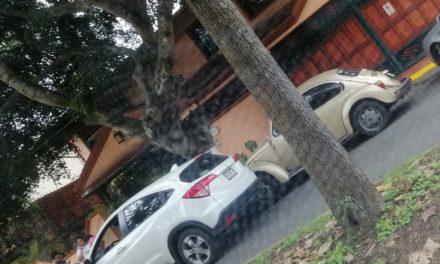 Choque en la avenida Paseo de Las Palmas, a la altura de la Capilla de las Ánimas