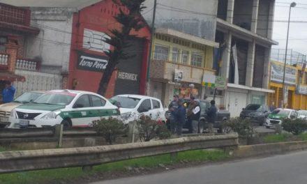 Carambola en la avenida México,  a la altura de la gasolinera Macuiltépetl en Xalapa