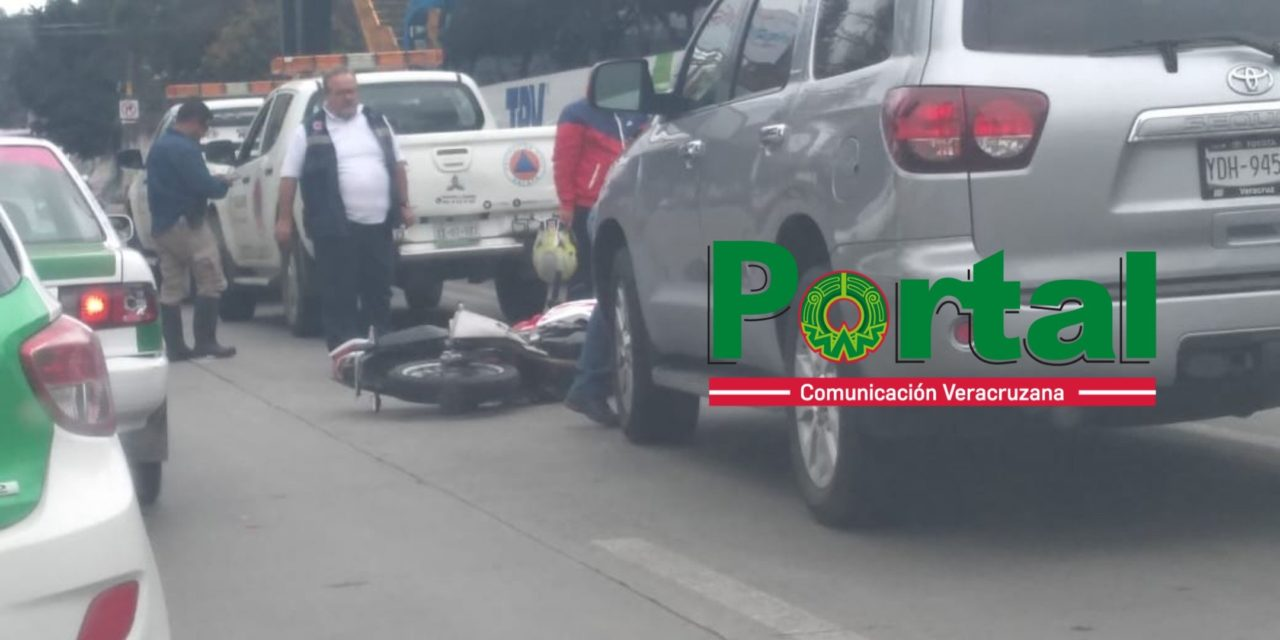 Motociclista lesionado en accidente de tránsito sobre la avenida Lázaro Cárdenas