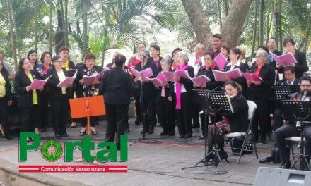 """""""Canciones del Corazón"""" en el parque Benito Juárez en Xalapa"""