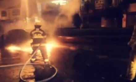 Durante la madrugada un auto se incendió en la zona del Dique en Xalapa