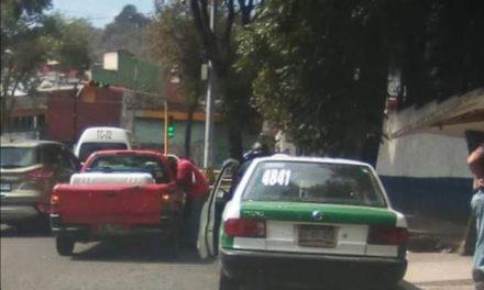 Choque en la avenida Miguel Alemán, a la altura del CBETIS