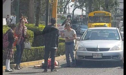Persona atropellada sobre la Avenida Manuel Ávila Camacho, a la altura del Teatro del Estado