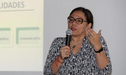 Universitarios pueden impulsar alfabetización digital crítica: académica de la UPN