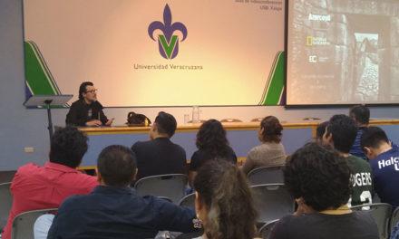 Ricardo Azarcoya ofreció conferencia magistral en la USBI