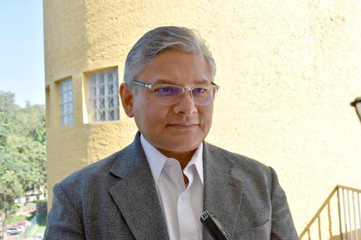Jorge Manzo Denes, director del Centro de Investigaciones Cerebrales de la UV