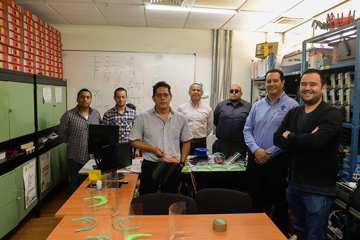 Académicos, estudiantes e investigadores de la UV y el ITX