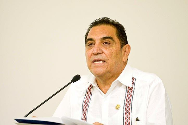 La región Poza Rica-Tuxpan da cumplimiento y se mantiene al tanto de las medidas a seguir ante la contingencia sanitaria, destacó José Luis Alanís Méndez