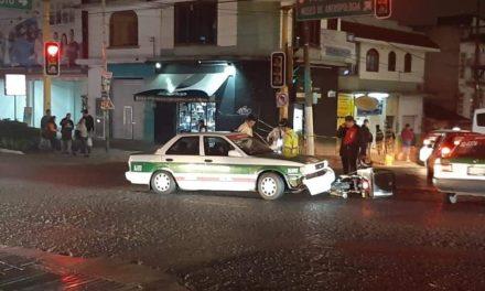 Motociclista lesionado en la avenida Manuel Ávila Camacho, a la altura del Meridiano