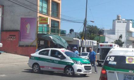 Persona atropellada sobre la avenida Chedraui Caram, a la altura de la tienda Comex en Xalapa