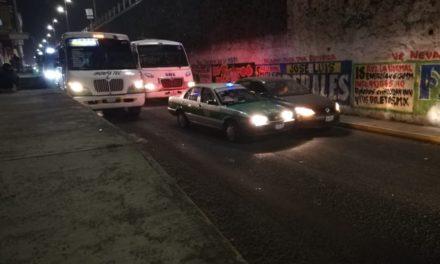 Choque en la avenida Lázaro Cárdenas, a la altura del puente de Miguel Alemán