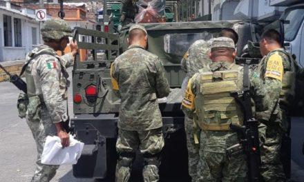 Militares resguardan almacén del IMSS en Río Blanco