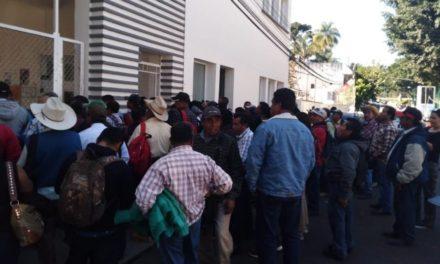 Campesinos se manifiestan en Sedarpa, exigen apoyos por sequía