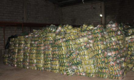 En el municipio de Papantla la FGR recupera 22 toneladas de galletas, tres vehículos, dos remolques y asegura inmueble.