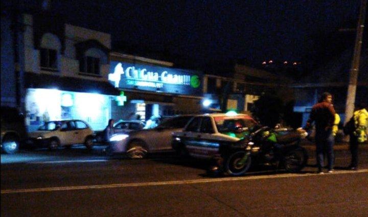 Accidente de tránsito sobre la avenida Manuel Ávila Camacho en Xalapa