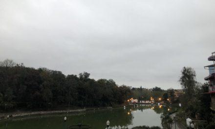 Hoy persiste probabilidad de lloviznas y lluvias aisladas de tipo ligero a ocasionalmente moderado especialmente en regiones montañosas y porción sur de Veracruz.