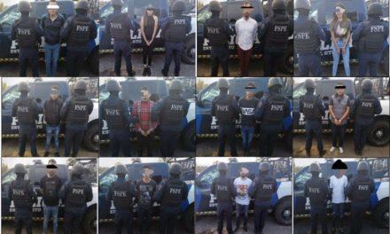 Cae banda delictiva en León; traía arsenal y autos robados