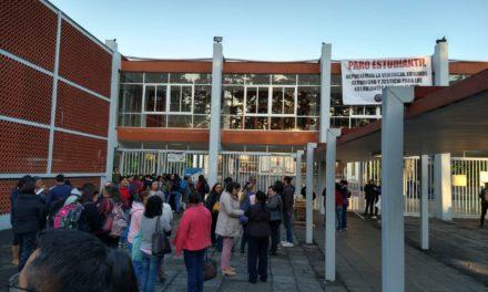Realizan paro estudiantes de la Escuela Normal Veracruzana, exigen mayor seguridad