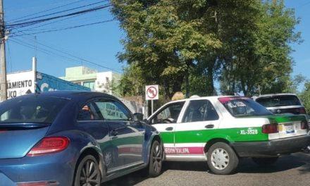 Choque en la avenida Américas esquina Justino Sarmiento en Xalapa