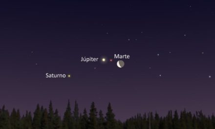 Esta noche no dejes de mirar el cielo, porque podrás ser testigo de una triple conjunción de la Luna con Marte, Saturno y Júpiter.