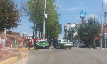 Choque sobre la avenida Orizaba esquina calle Francisco Vázquez
